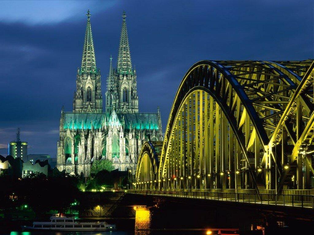 Германия. Ночной вид на Берлин