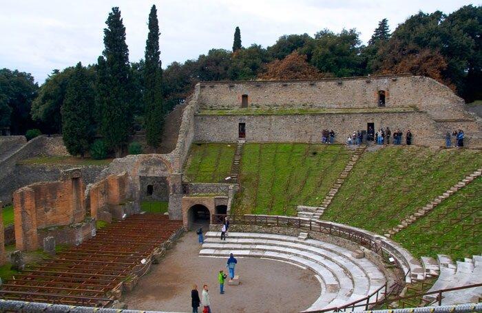 Большой театр Помпеи